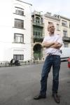 Jugendstil Brüssel Olivier Berkman vor seinem Haus